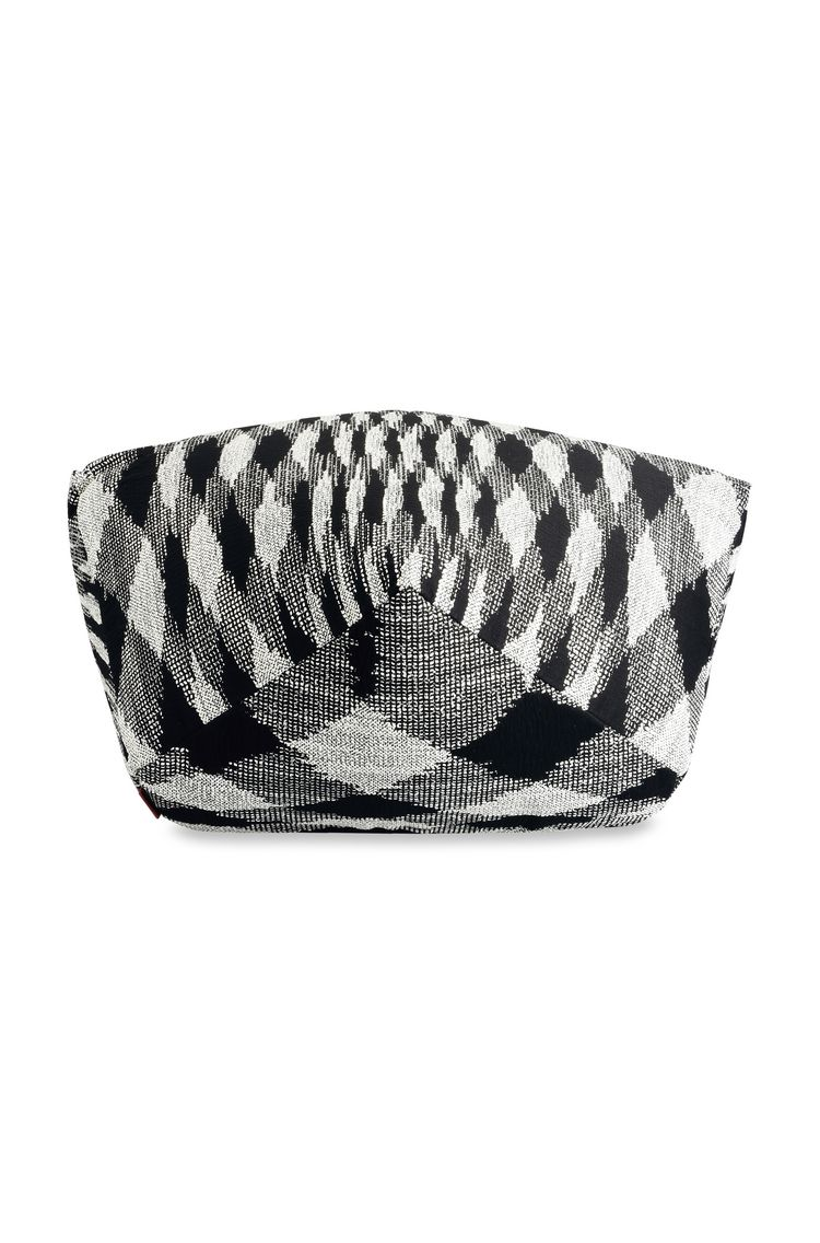 VISBY DIAMANTE POUF  24 X 16 in $ 1,336   Order Now