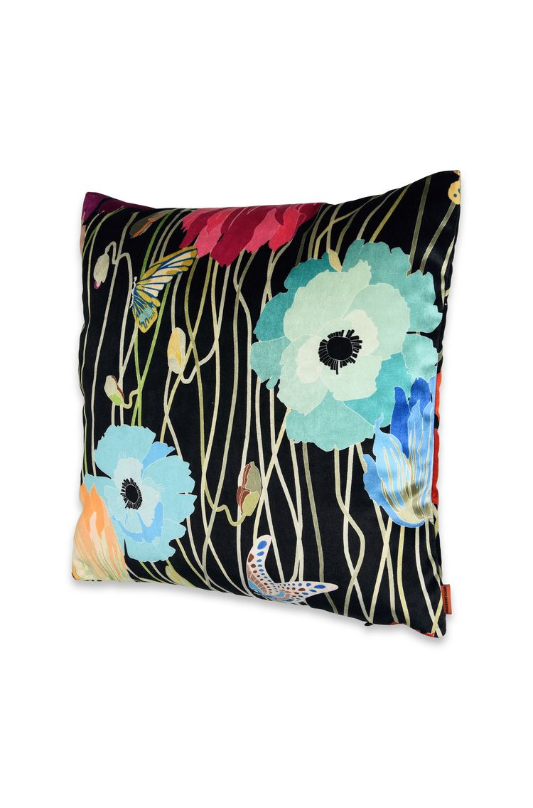 VANCOUVER CUSHION  16 X 16 in $ 296  Order Now