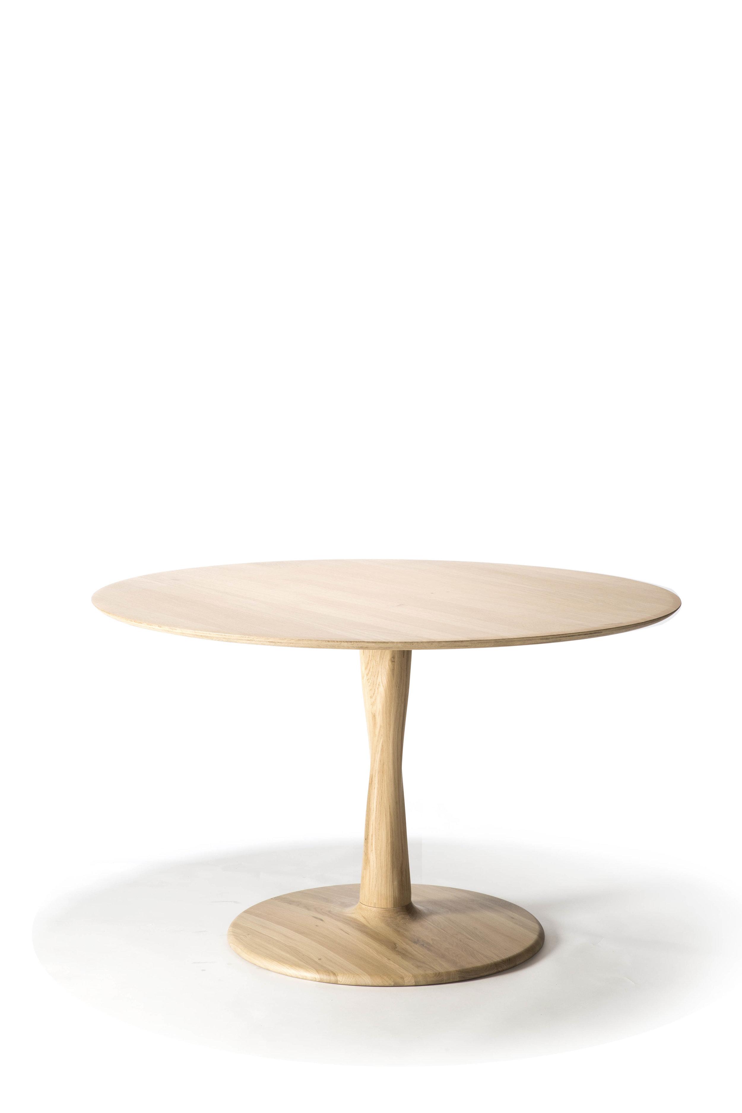 50019 Torsion dining table - Oak.jpg