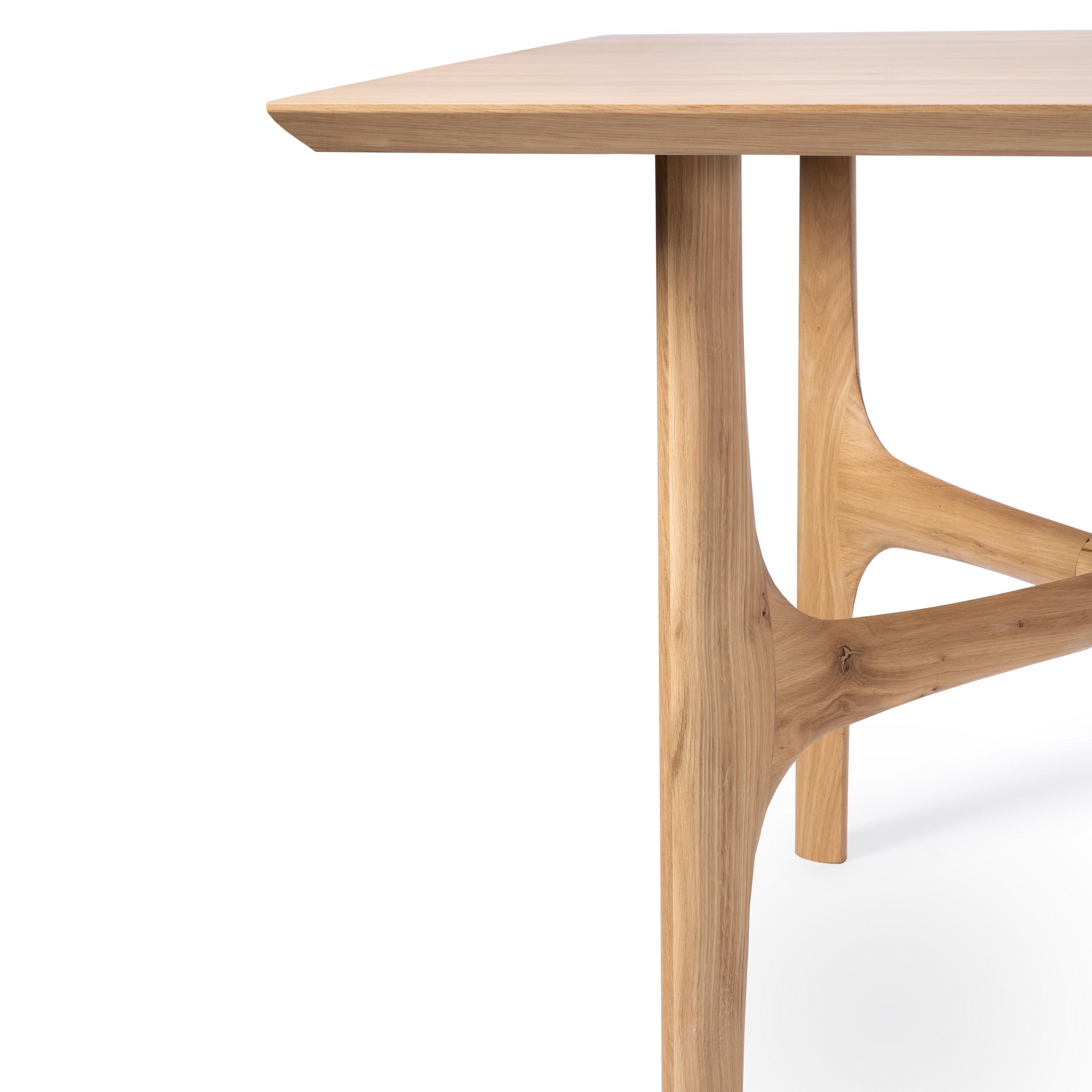 50128 Oak Nexus dining table (3).jpg.png