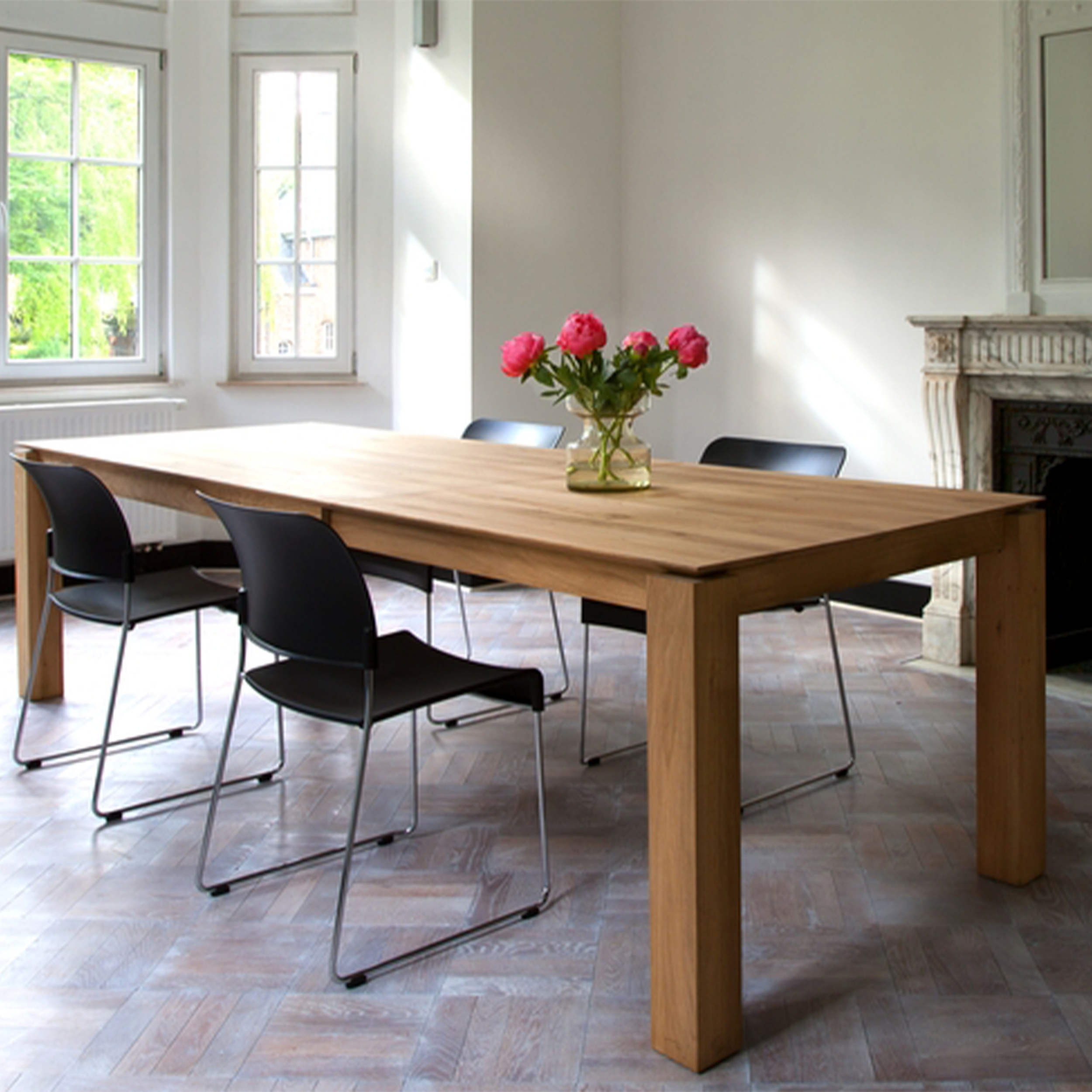 51943-Oak-Slice-extendable-dining-table-2.jpg.png