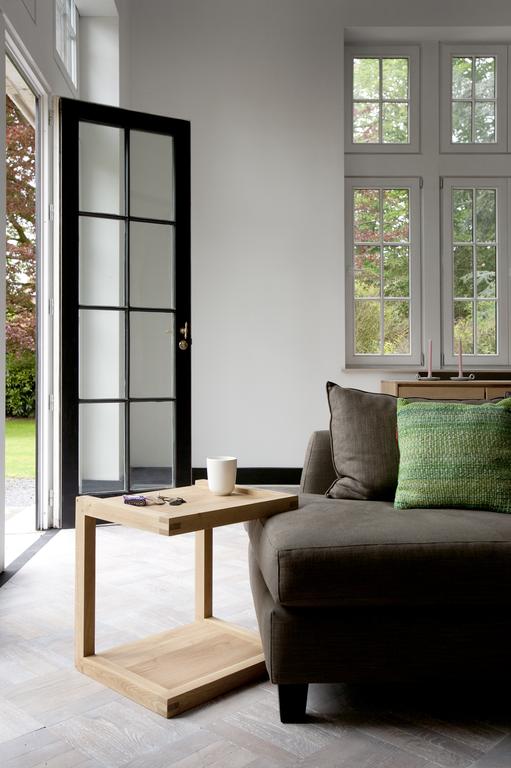 50517-Oak-Frame-sofa-side-table.png