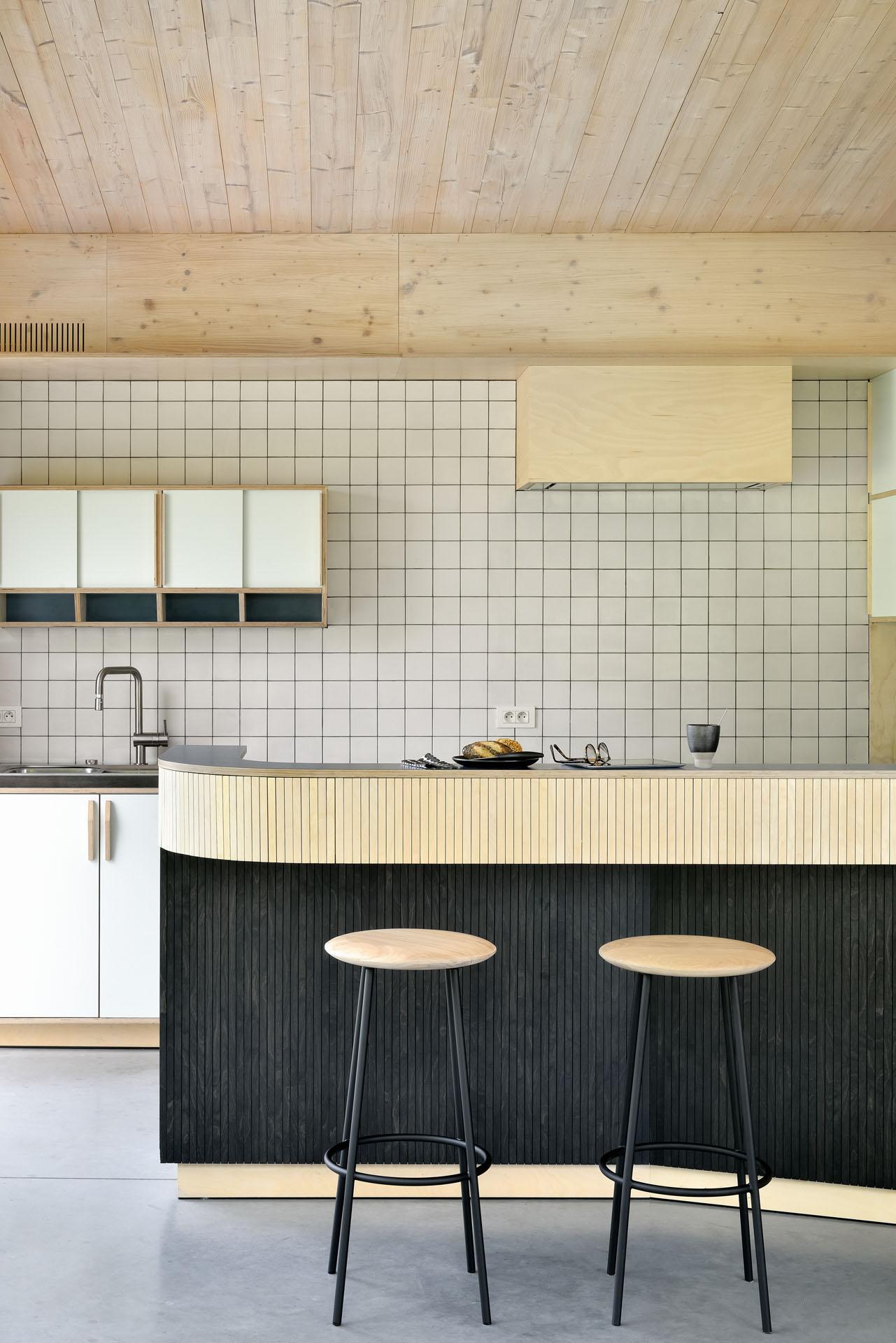 50154-Oak-Baretto-stool-1.jpg