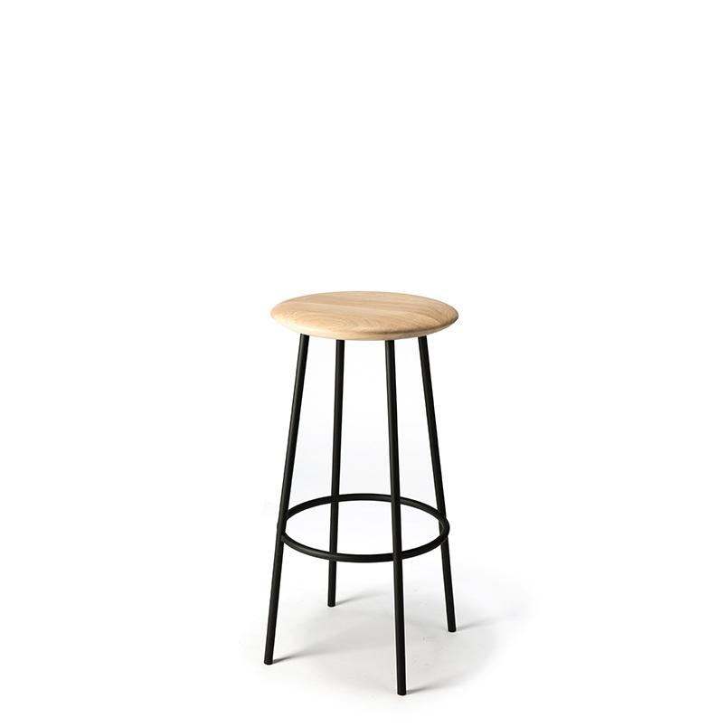 TGE-050154-Oak-Baretto-bar-stool-black-46x46x76_f.jpg