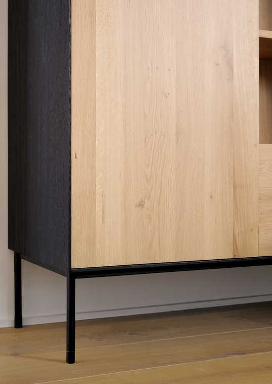 TGE-051470-Oak-Blackbird-storage-cupboard_detail4.jpg