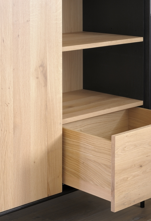 TGE-051470-Oak-Blackbird-storage-cupboard_detail5.jpg