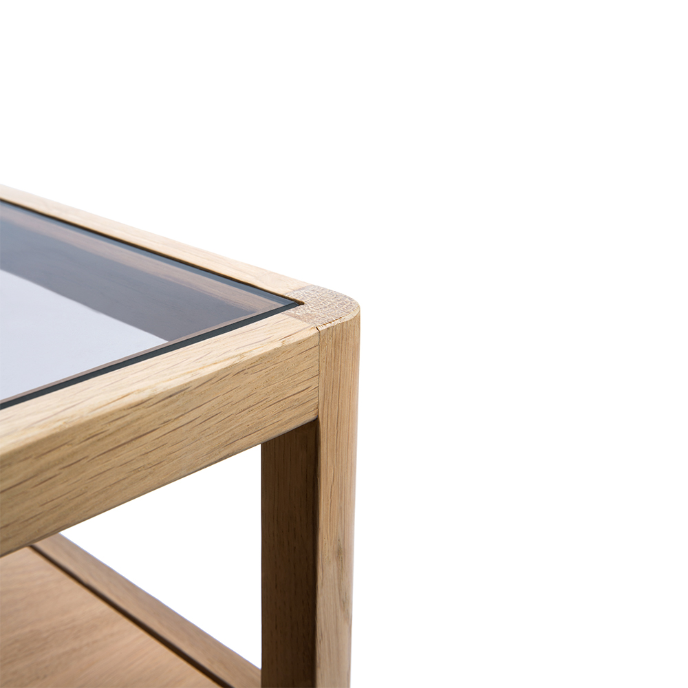 TGE-051245-Oak-Spindle-nightstand-1-drawer-55x35x52_det.jpg