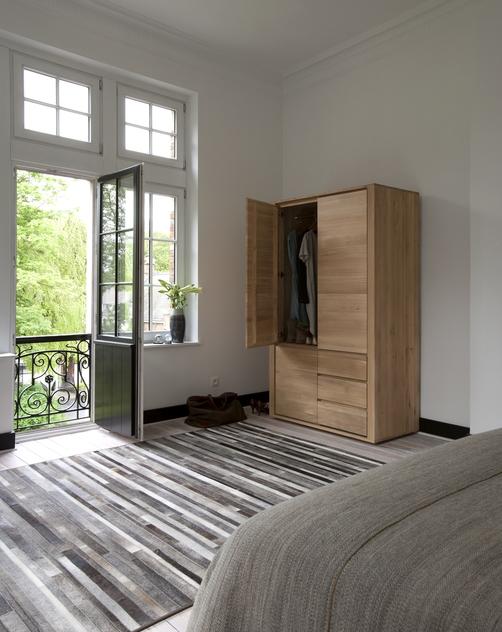 51185-Oak-Shadow-dresser-open.jpg