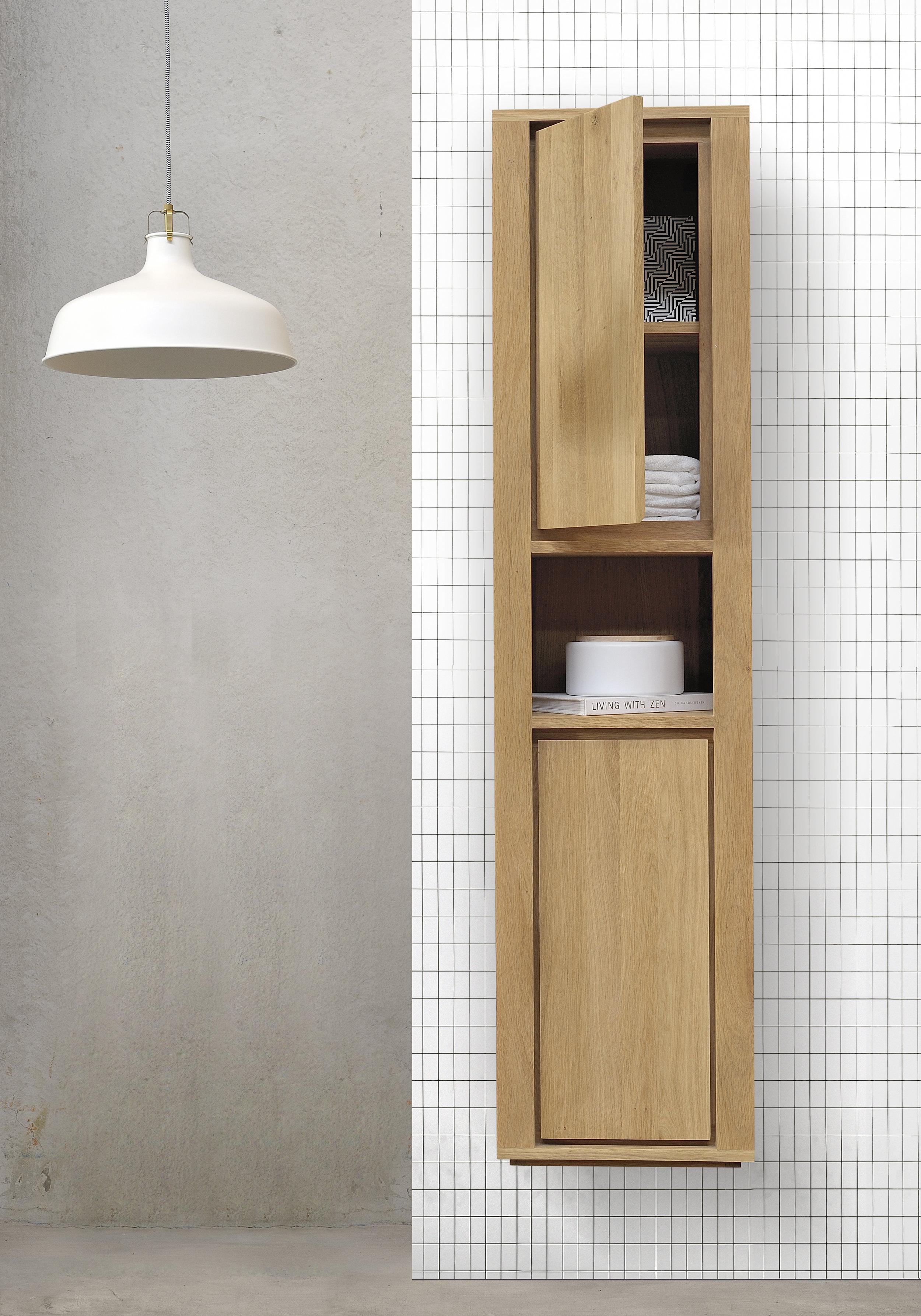 Bathroom Oak column.jpg