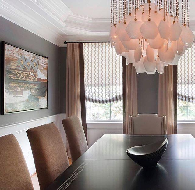 Detail, detail, detail. Designed by @nilejohnson • • • •  #interior #interiorinspo #interiordesign #interiordesigner #diningroom #diningtable #diningroomdecor #custom #customfurniture #customfurnituredesign