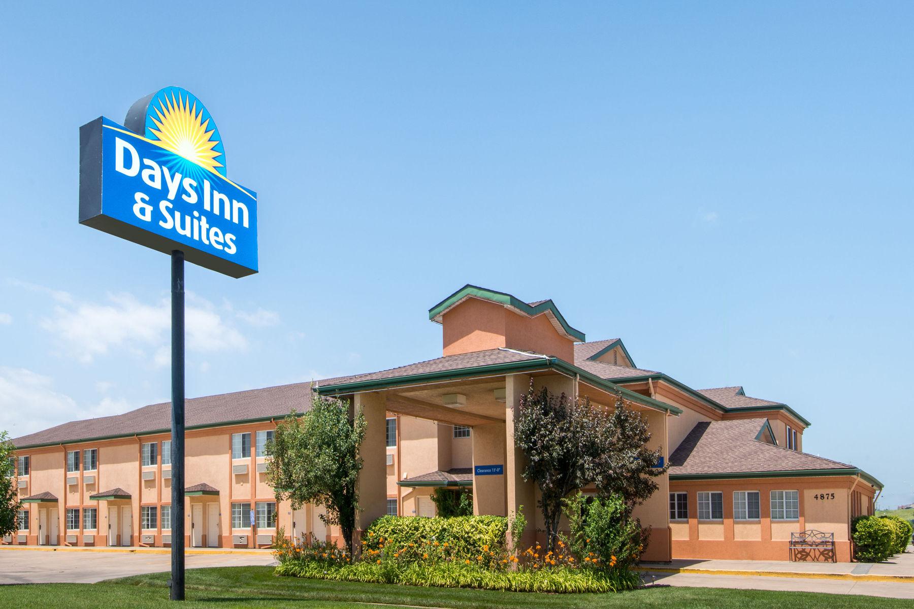 Days Inn & Suites | Wichita, KS
