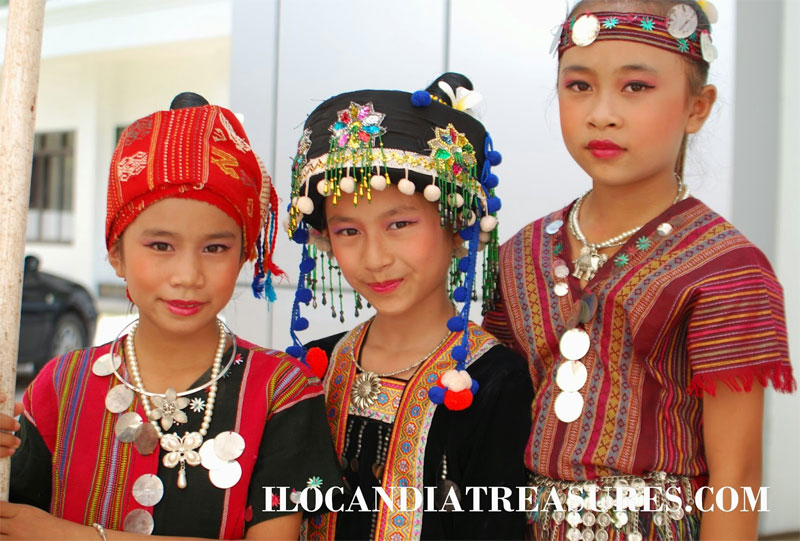 Western Mon girls of Burma/Myanmar