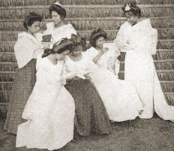 Pilipinx women from the Visayas, 1904