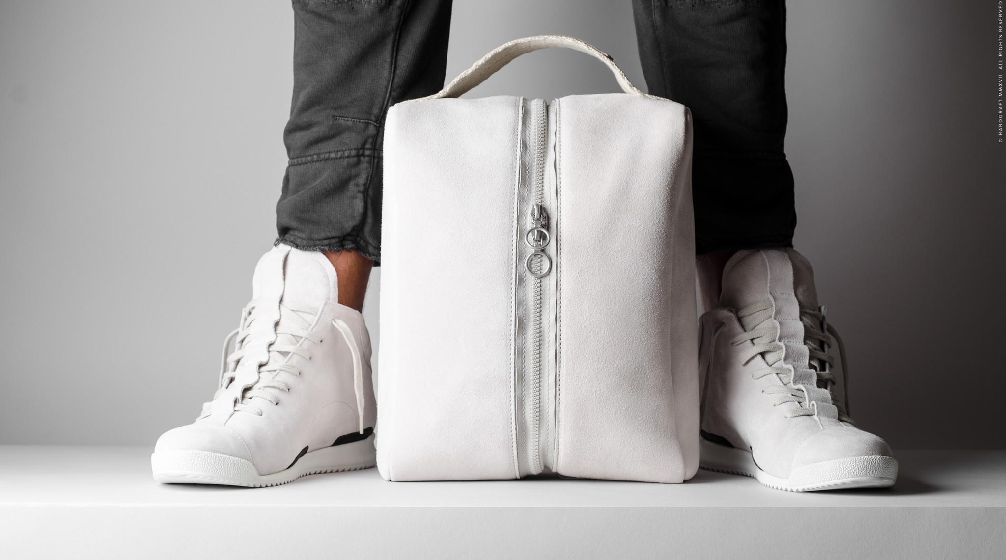 sneakerghost-01.jpg