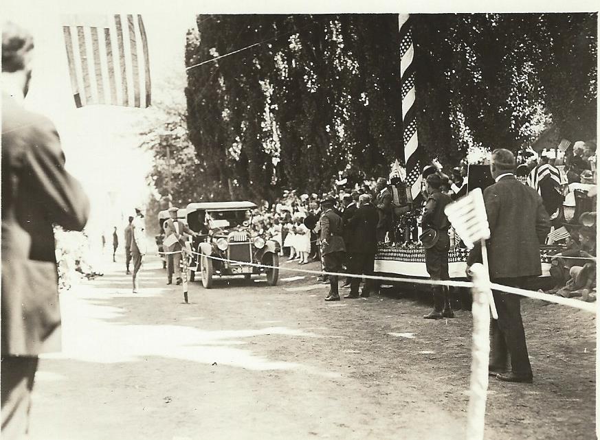 Harding parade.jpg