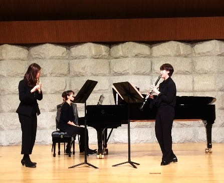 Above: Performance of Joey Tan's  Decomposition for Flute, Clarinet in Bb and Piano