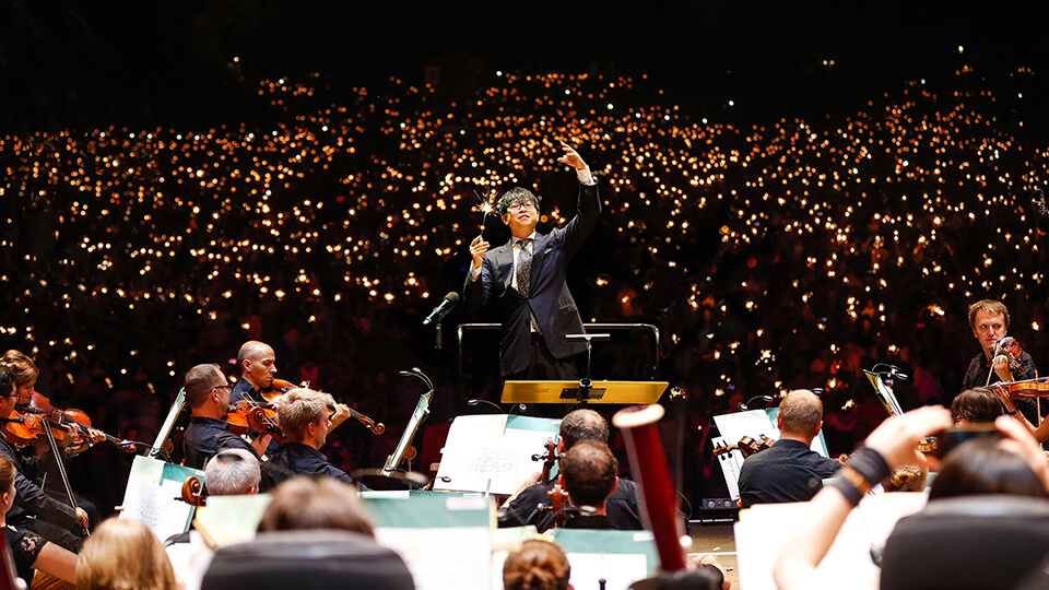 Kahchun Wong conducting the Nuremberg Symphony Orchestra at Klassik Open Air.  (Photo: Steffen Riese for the Embassy of the Republic of Singapore in Berlin)
