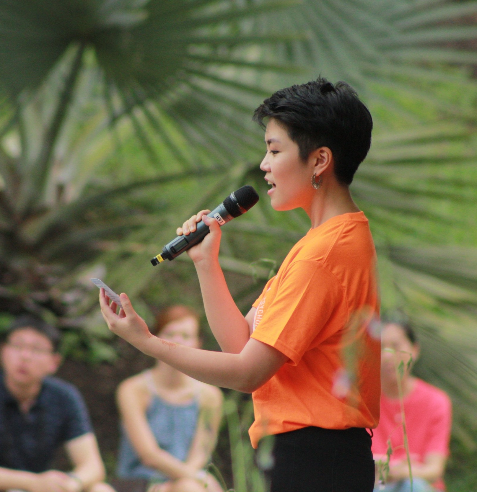 Xiangning emceeing for  Beethoven im Garten  at the Singapore Botanic Gardens Shaw Foundation Symphony Stage