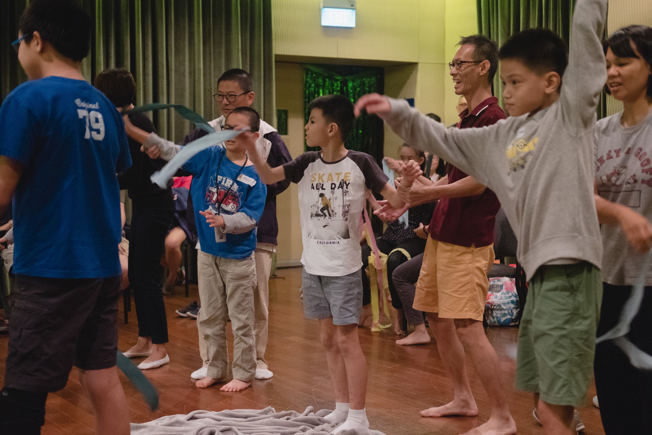 From individual and group interactions to kinaesthetic, visual and tactile activities, the team created a multi-sensory, safe and inclusive space for participants and families to freely enjoy music.