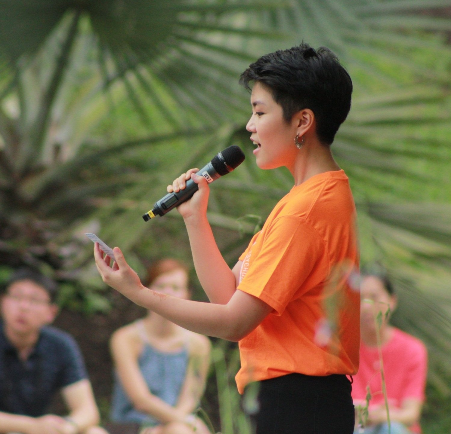 Xiangning emceeing for  Beethoven im Garten  at the Singapore Botanic Gardens Shaw Foundation Symphony Stage.