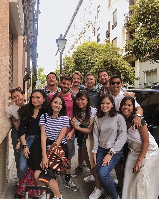 These people we had grown extremely attached to in the past year made leaving Madrid (especially on weekends #FOMO !!!) so hard  Every corner of the city particularly Malasaña and Lavapiés has good memories attached to it because of you, chicos! You're definitely the highlight of my life in Spain ❤️ Until our next chill day at the park or sprak, gago, banat fiesta, pares. 🤘🏼 I hope one day the Univorse will allow you to came to the Philippines, we will eat carbonara sin nata and take something like wine shots 🤪  i̶ ̶l̶o̶v̶e̶ ̶y̶o̶u̶ ̶w̶e̶n̶k̶ ̶w̶o̶n̶k̶s̶. Hombres, fahk you. 😘