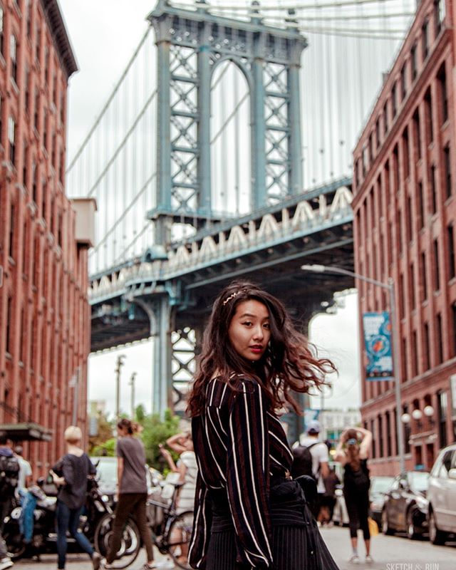 Very casual, very candid portraiture (ok but the one of me taking the photo on the bridge actually was). Last NYC and USA blog post now on sketchandrun.com, featuring all the portraits that came out of it - street and otherwise 🇺🇸✨ • • • • • #newyorkcity #portraitspage #nycprimeshot #newyork_instagram #what_i_saw_in_nyc #ig_nycity #instagramnyc #icapture_nyc #made_in_ny #newyorker #nbc4ny #girlswhotravel #brooklyn #topnewyorkphoto #bigapple #newyorknewyork #of2humans #nycdotgram #seeyourcity #loves_nyc #igersofnyc #portrait_vision #somewheremagazine #featuremyshot #good_portraits_world #lensonstreets #streetlife_award #exploremoreportraits