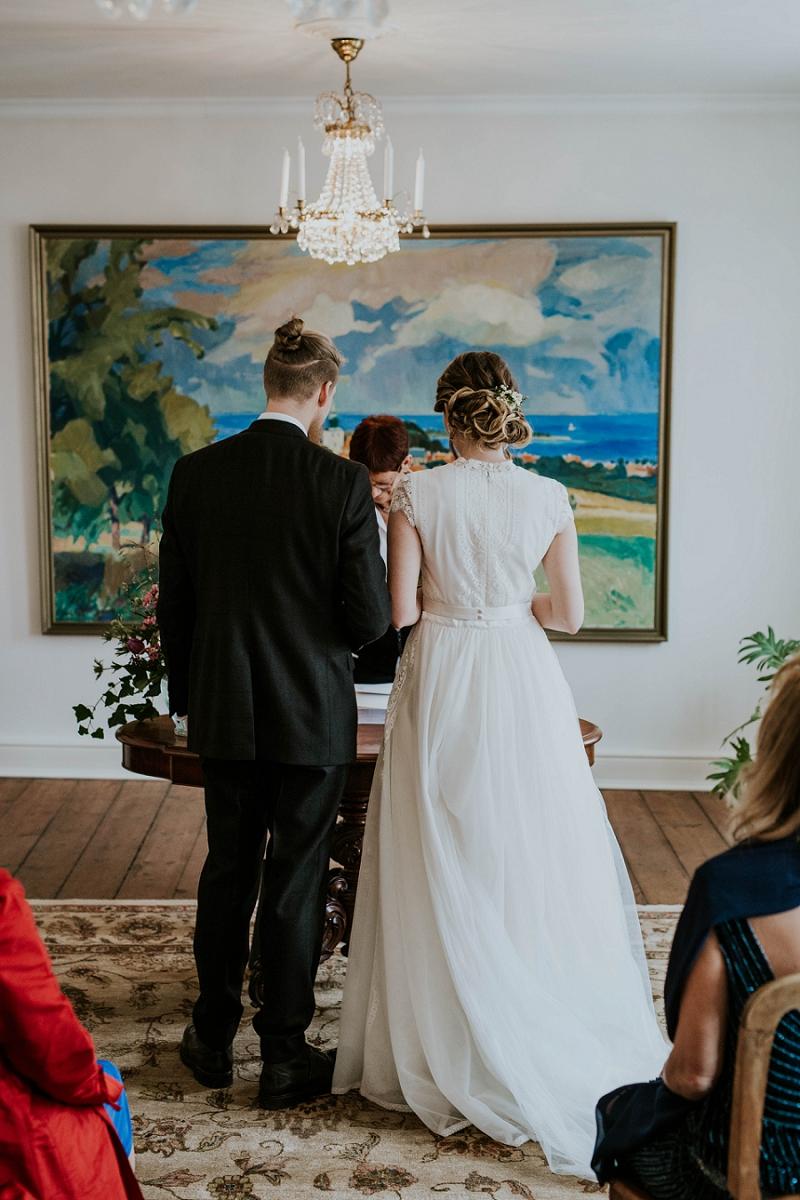 Intimate-winter-wedding-in-denmark (13).jpg