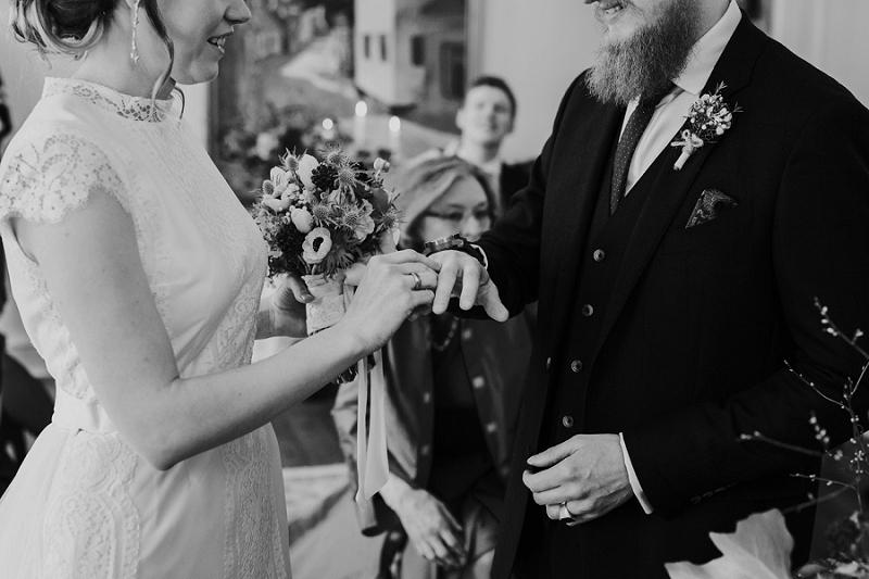 Intimate-winter-wedding-in-denmark (19).jpg