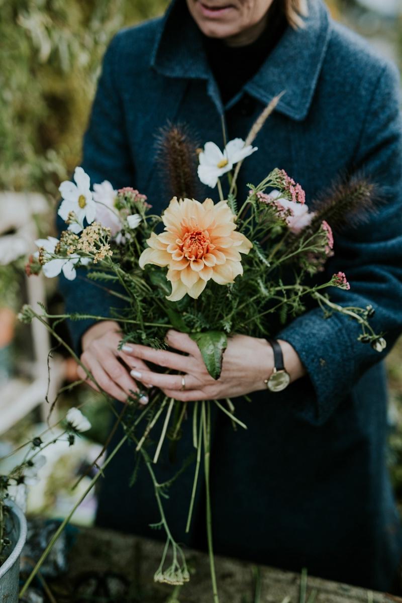 making-autumn-bridal-bouquet_6915.jpg