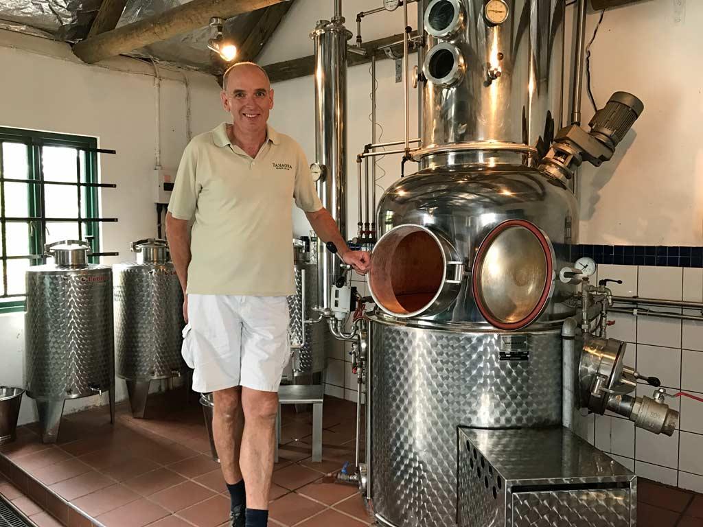 Robert Rosenbach and the 200 litre Carl still and column