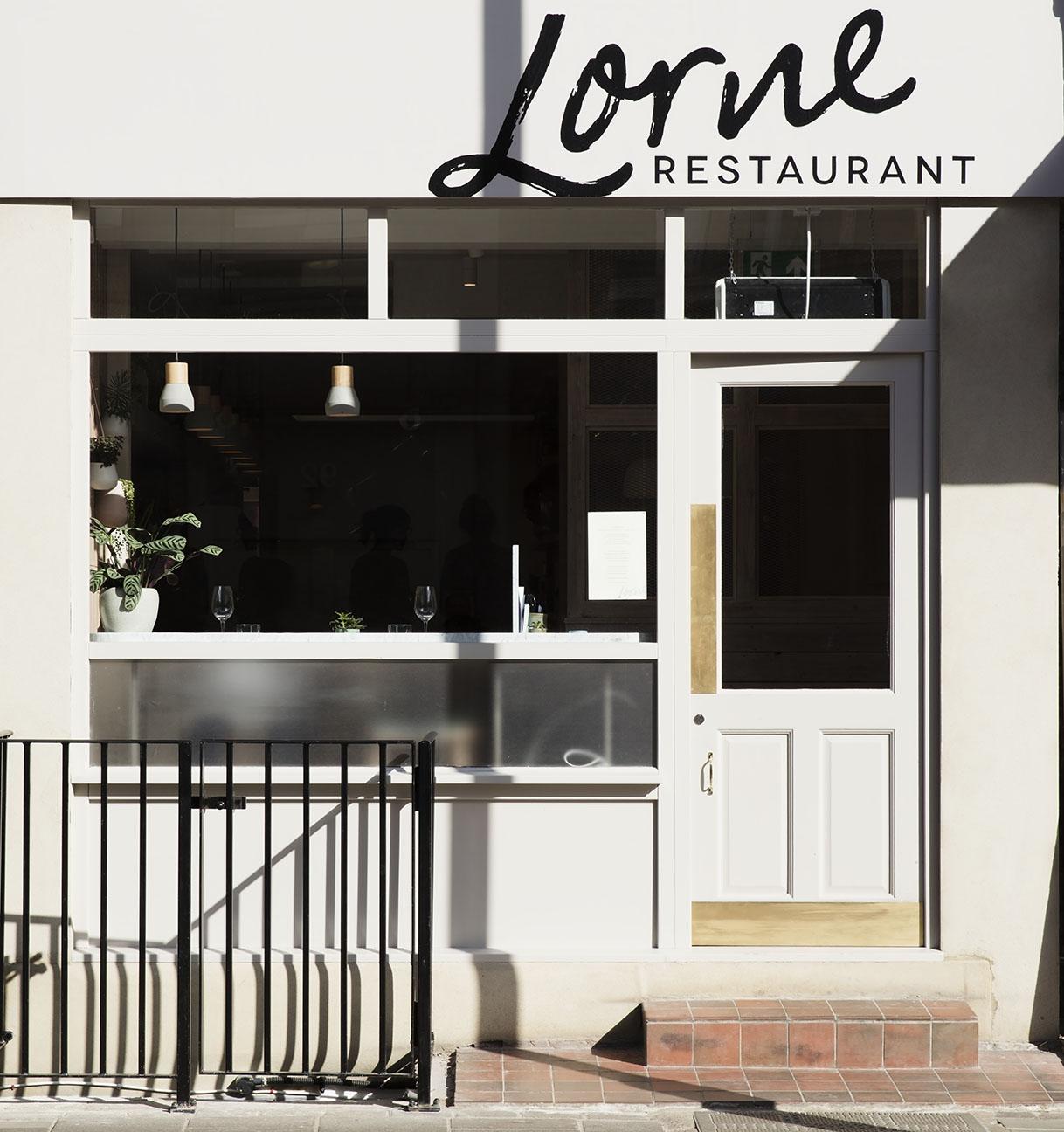 Lorne-01.jpg