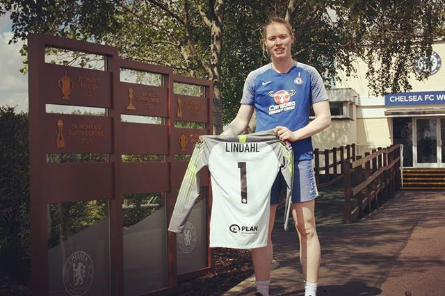 Give away! Leave a comment and tag a mate to be in the draw!  As a thank you to all the lovely fans out there I want to give away my @chelseafcw jersey.  A winner will randomly be drawn tomorrow at 10 am.  Pic by Timothy.  #KTBFFH #OneClub #CFCW #CFC #FAWSL