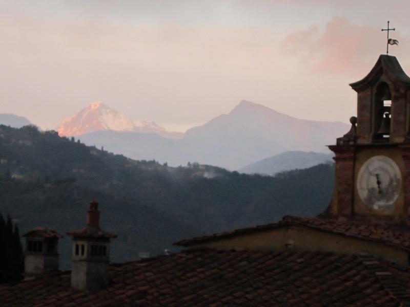 Vista sulle montagne da Camporomano.