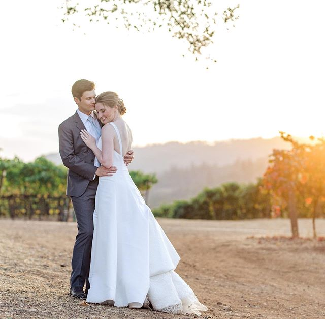 We have a new moment to add to the #bestmomentsever May there be many, many more! 😍 Congratulations to Kristy & Sam!  @kundewinery you devastate once again with your ridiculously gorgeous venue #bestsunsetsever @quintanaevents your calm and ease are so wonderful! And such a pretty celebration! 😍 So nice to work with you again!