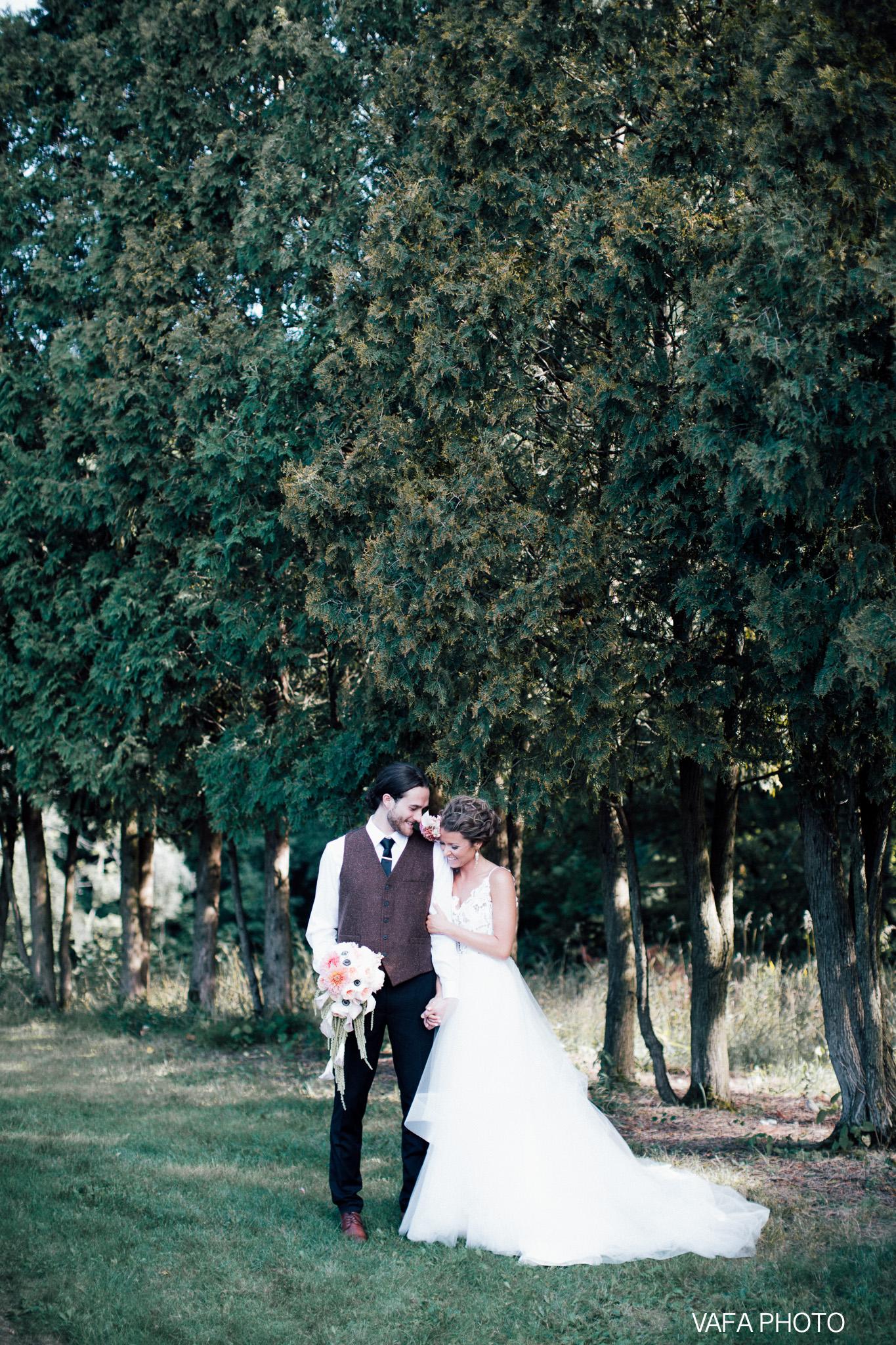 The-Felt-Estate-Wedding-Kailie-David-Vafa-Photo-660.jpg