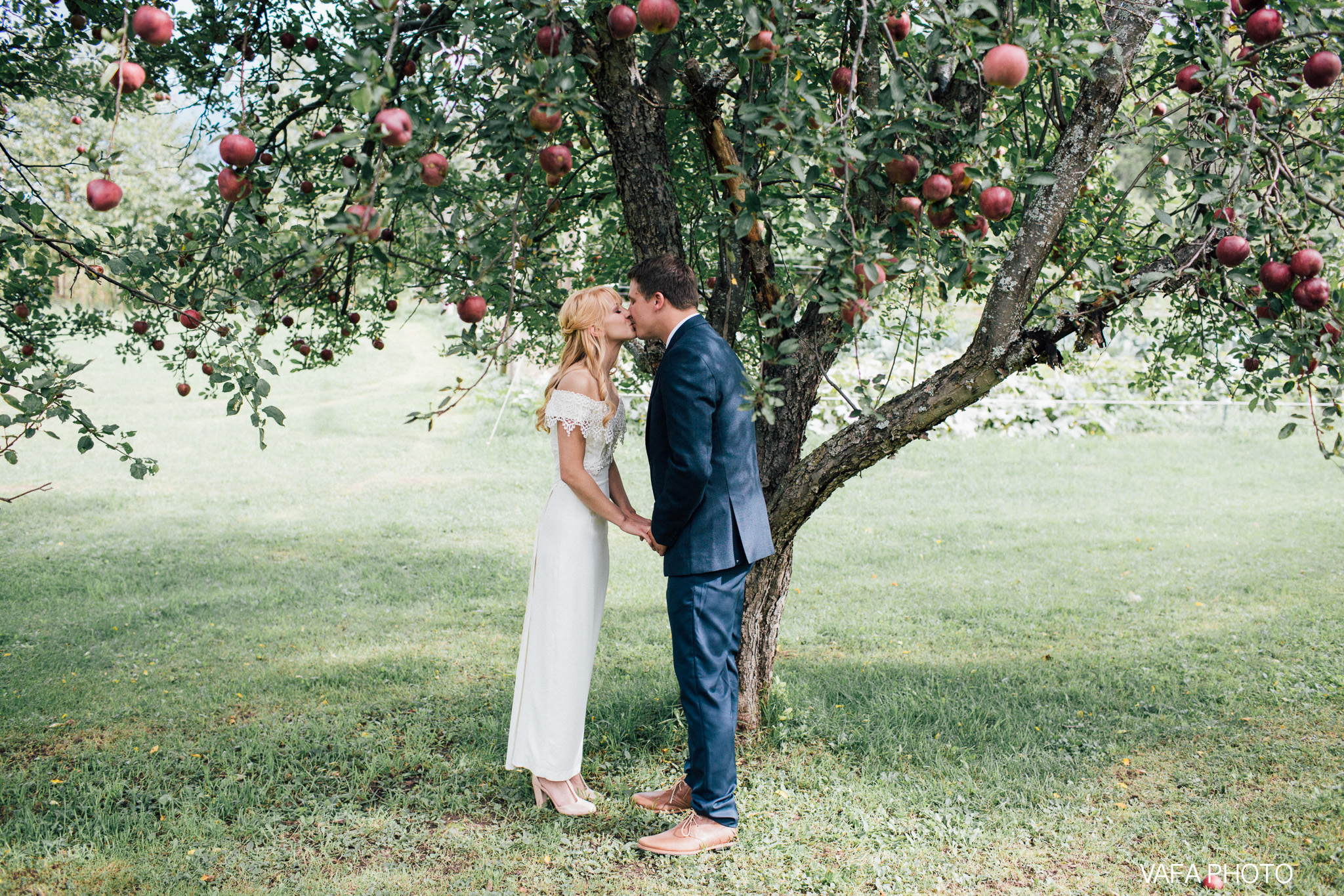 Belsolda-Farm-Wedding-Christy-Eric-Vafa-Photo-55.jpg