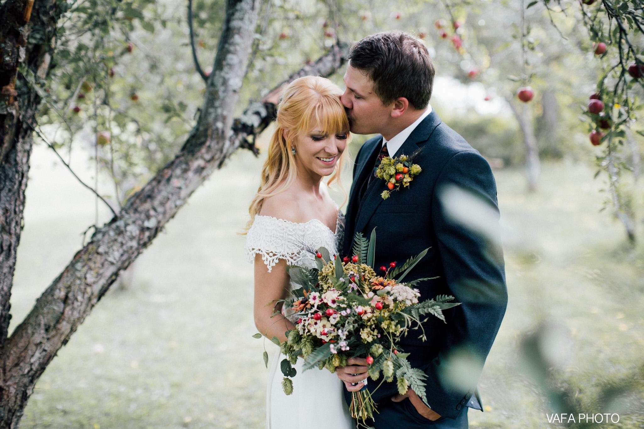 Belsolda-Farm-Wedding-Christy-Eric-Vafa-Photo-85.jpg