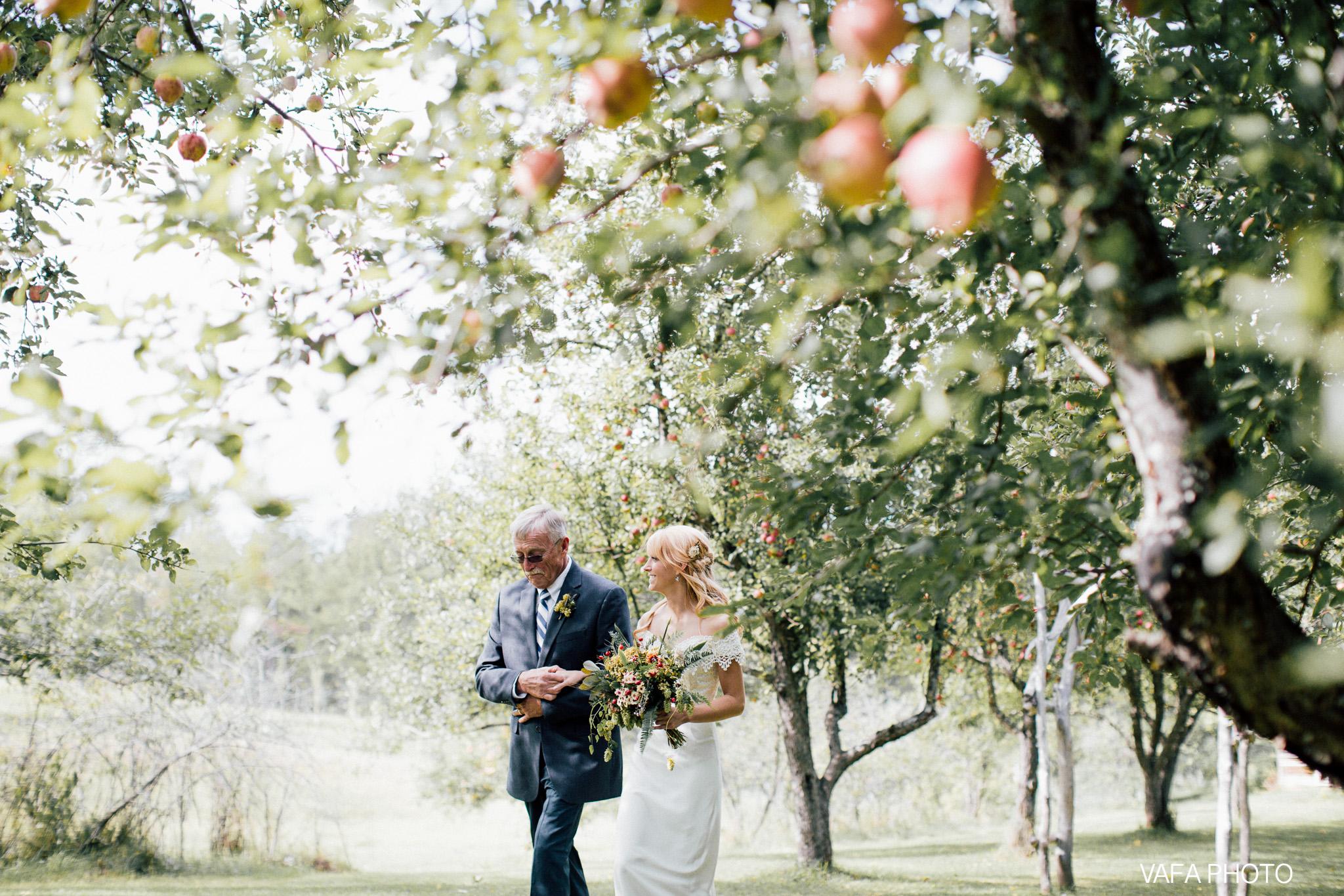 Belsolda-Farm-Wedding-Christy-Eric-Vafa-Photo-403.jpg