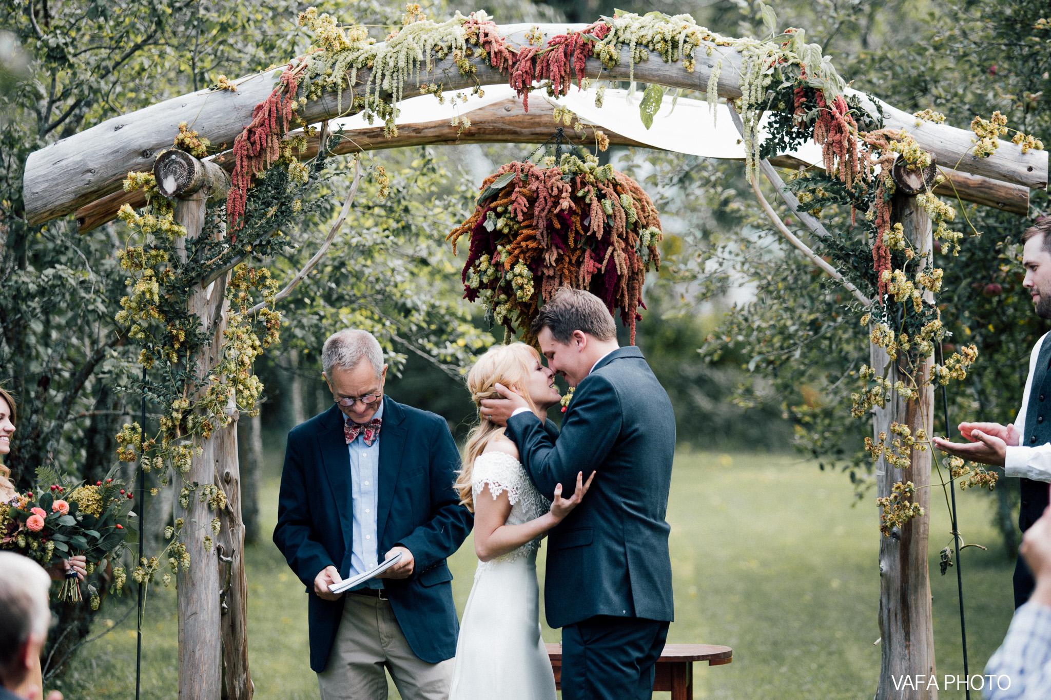 Belsolda-Farm-Wedding-Christy-Eric-Vafa-Photo-500.jpg