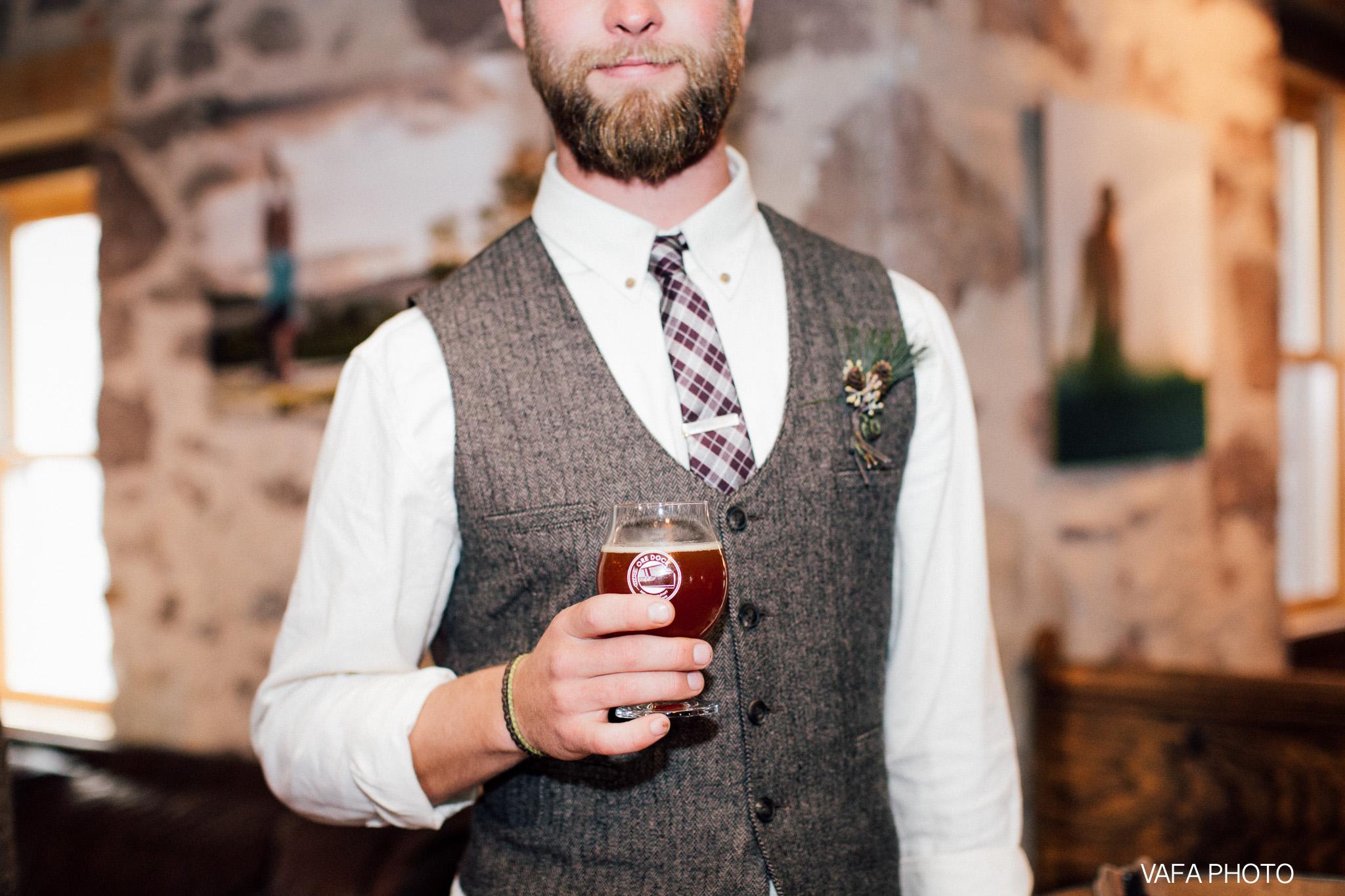 Hogback-Mountain-Wedding-Chelsea-Josh-Vafa-Photo-855.jpg