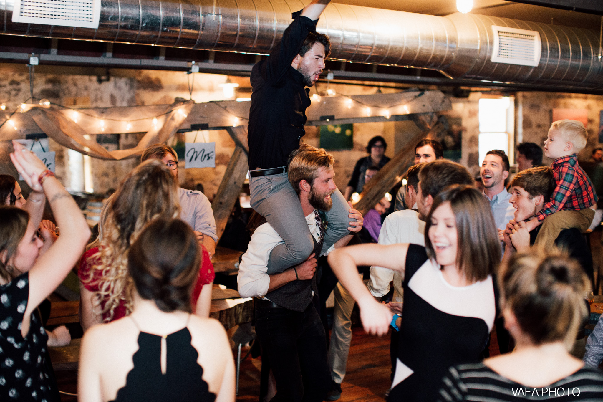 Hogback-Mountain-Wedding-Chelsea-Josh-Vafa-Photo-900.jpg