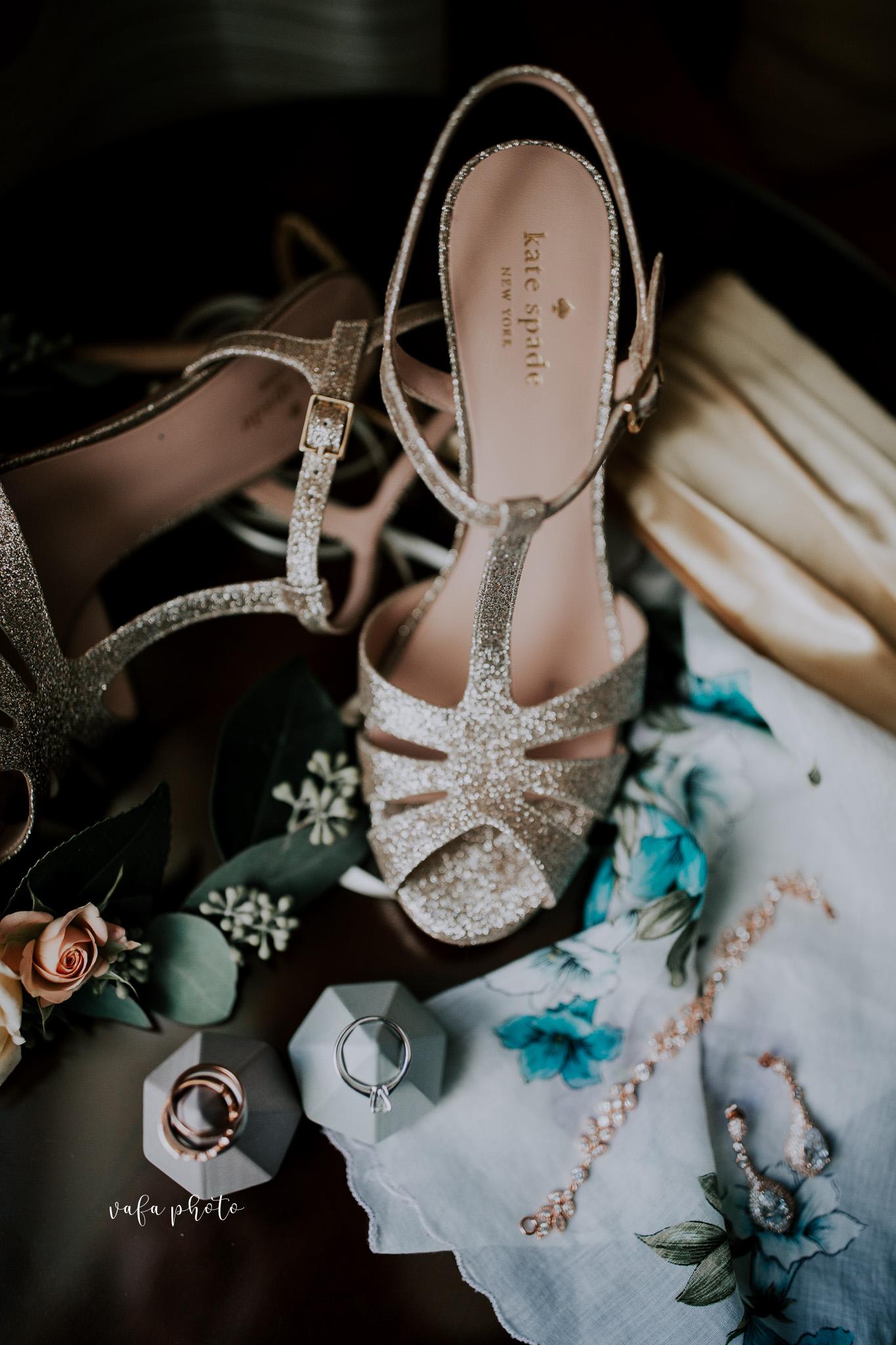 Milwaukee-Athletic-Club-Wedding-Amanda-Tony-Vafa-Photo-23.jpg
