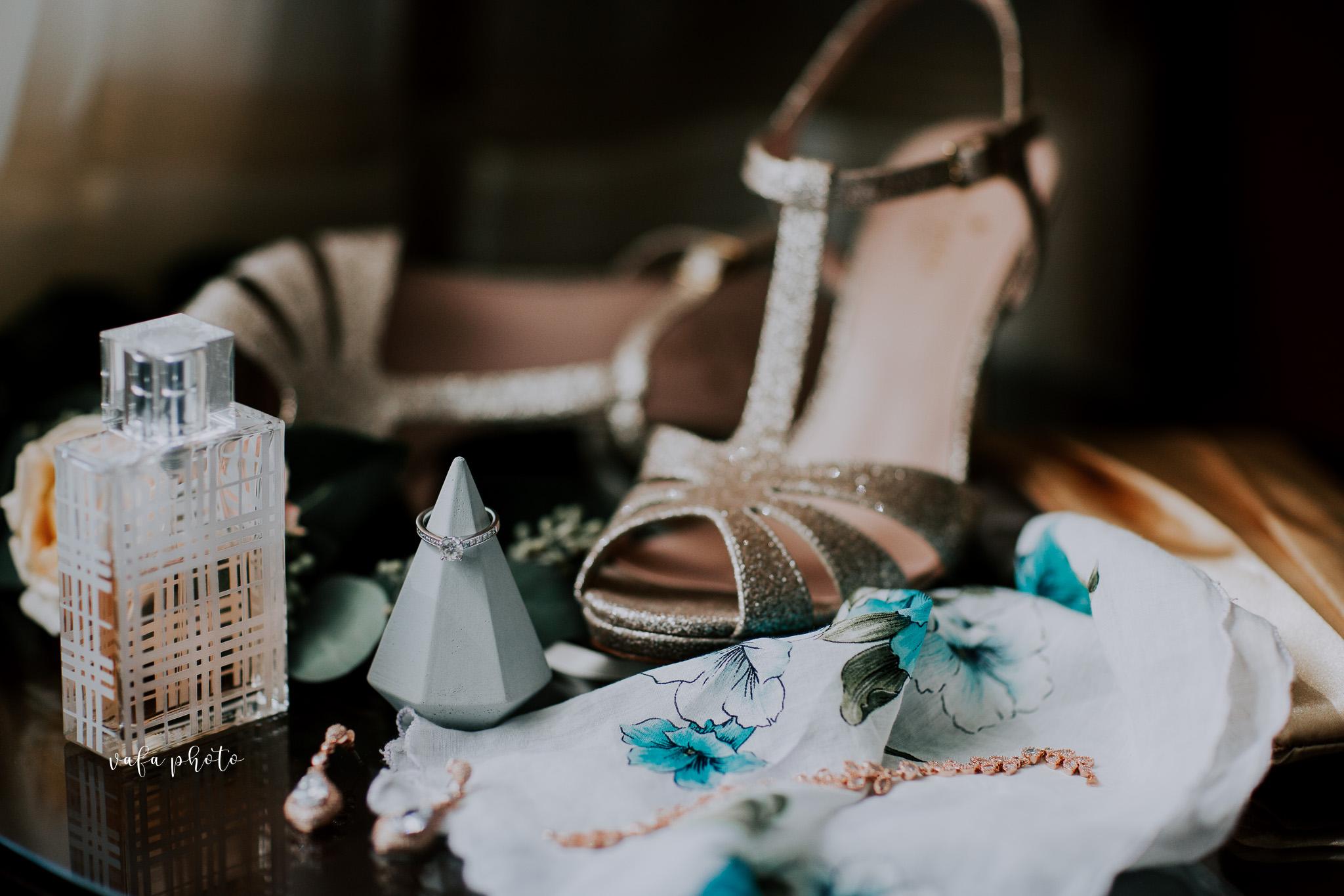 Milwaukee-Athletic-Club-Wedding-Amanda-Tony-Vafa-Photo-13.jpg