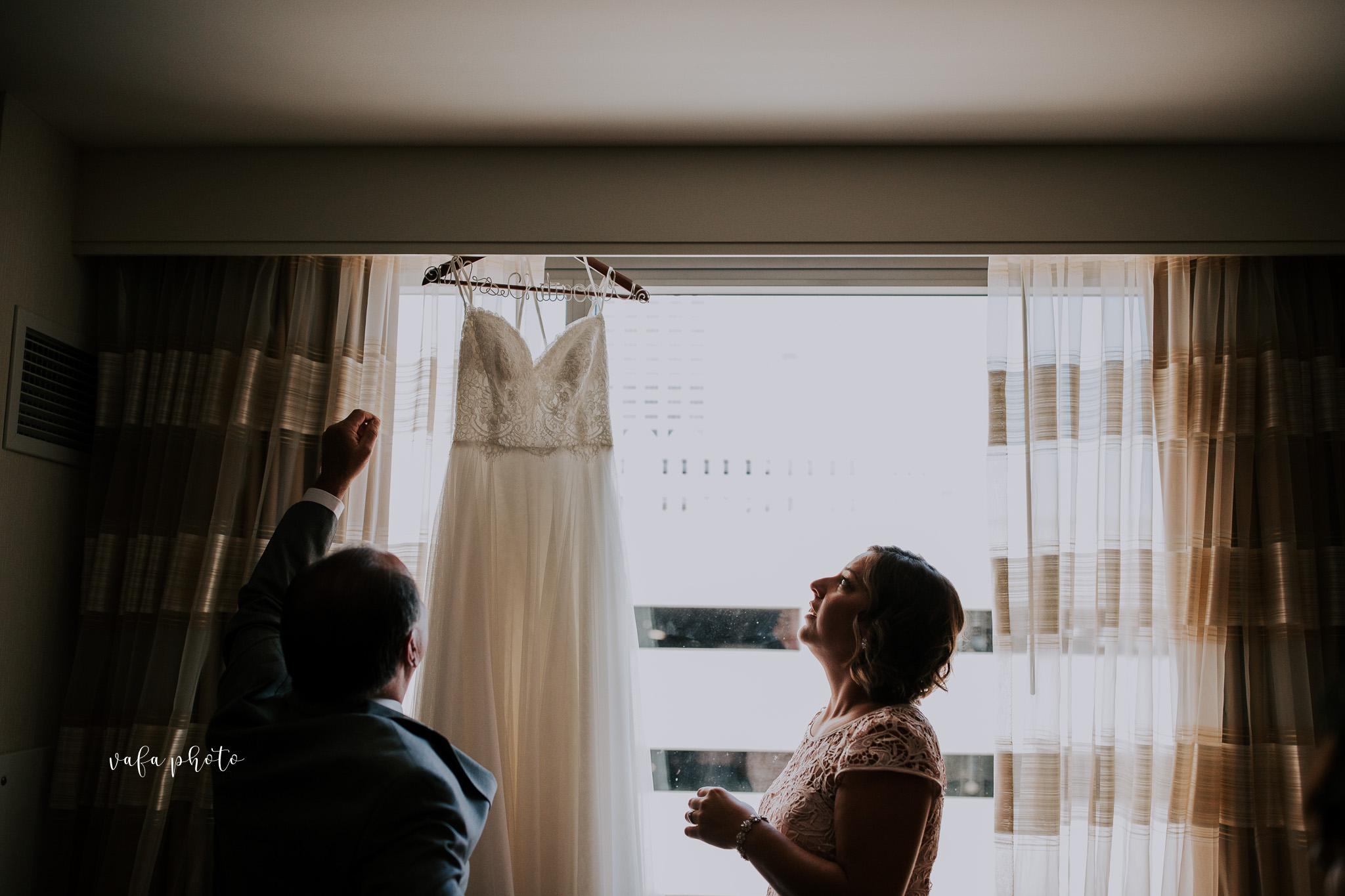 Milwaukee-Athletic-Club-Wedding-Amanda-Tony-Vafa-Photo-150.jpg