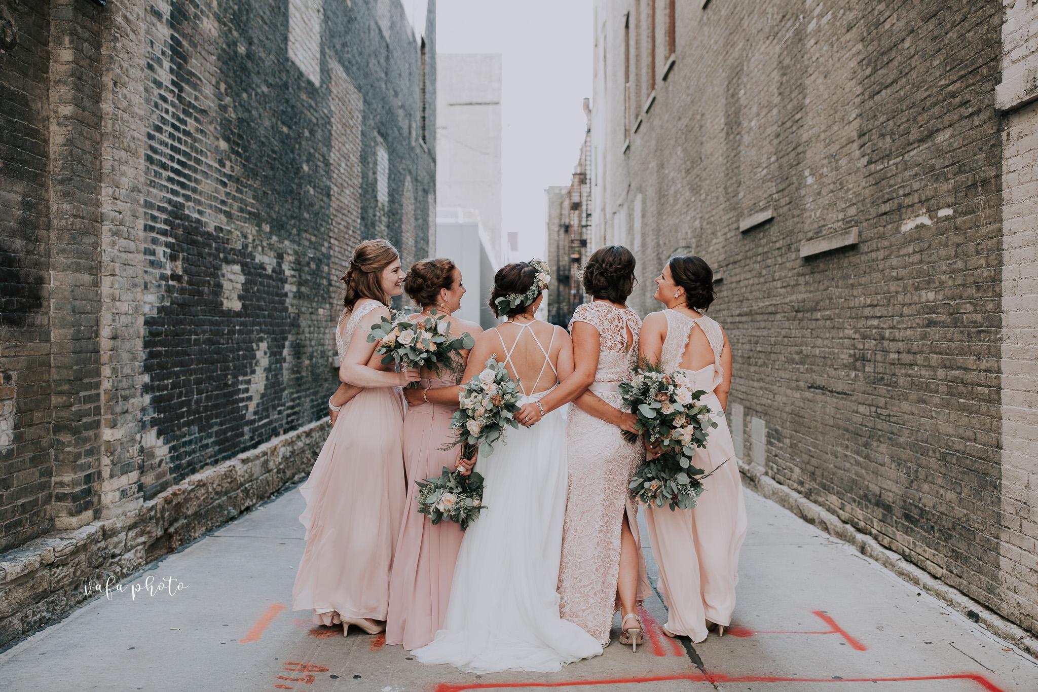 Milwaukee-Athletic-Club-Wedding-Amanda-Tony-Vafa-Photo-202.jpg