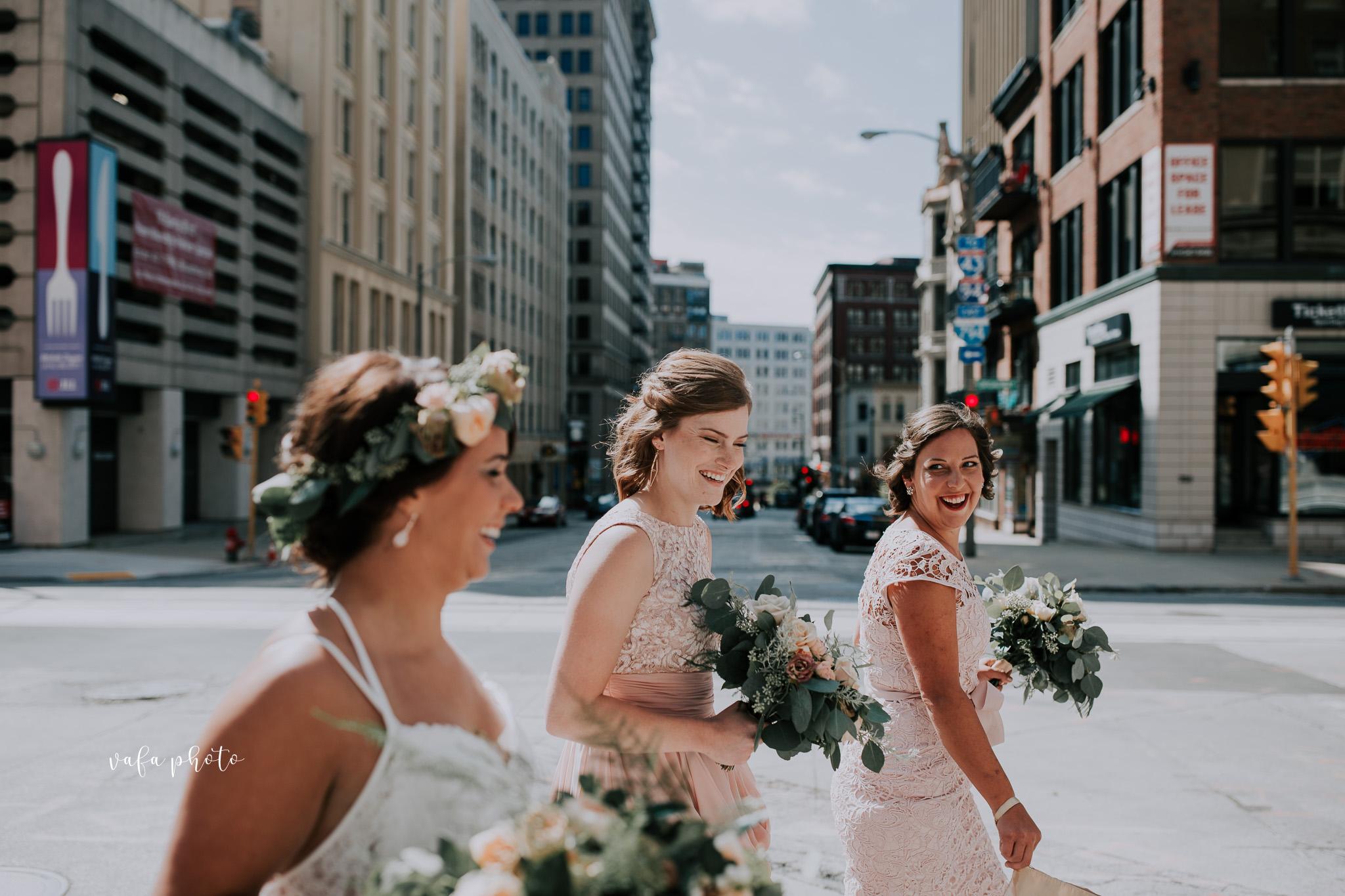 Milwaukee-Athletic-Club-Wedding-Amanda-Tony-Vafa-Photo-216.jpg