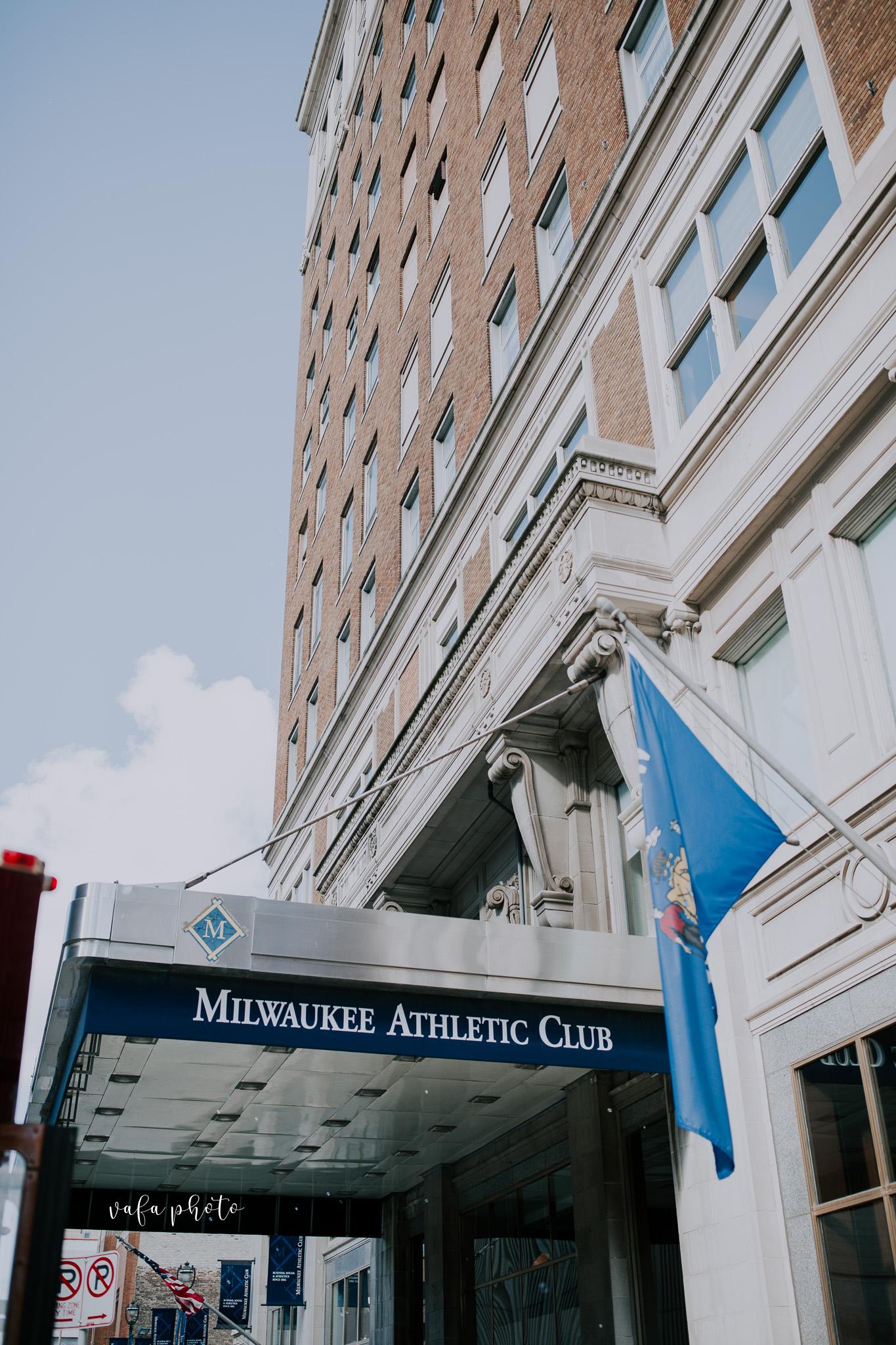 Milwaukee-Athletic-Club-Wedding-Amanda-Tony-Vafa-Photo-217.jpg