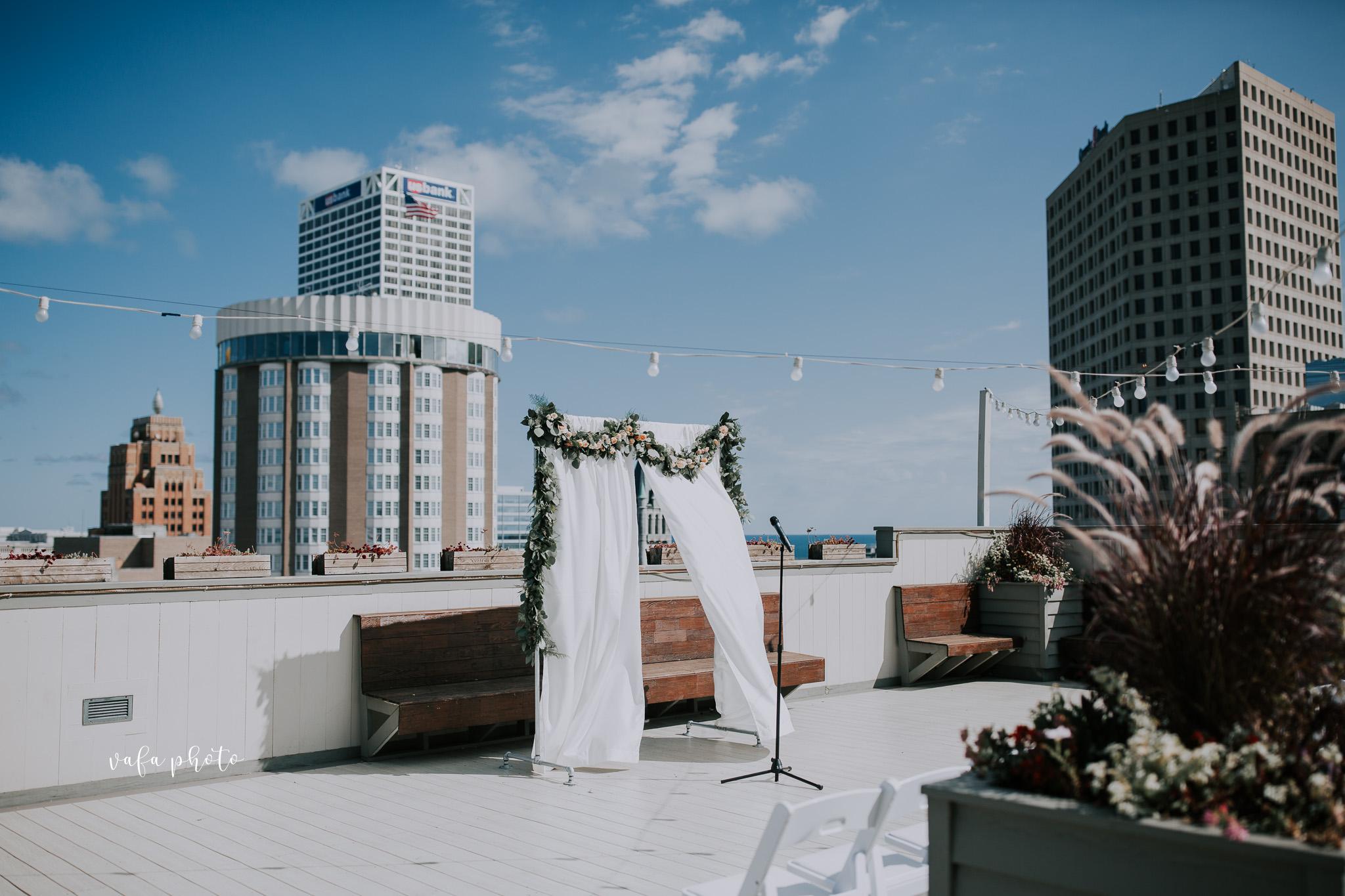 Milwaukee-Athletic-Club-Wedding-Amanda-Tony-Vafa-Photo-227.jpg