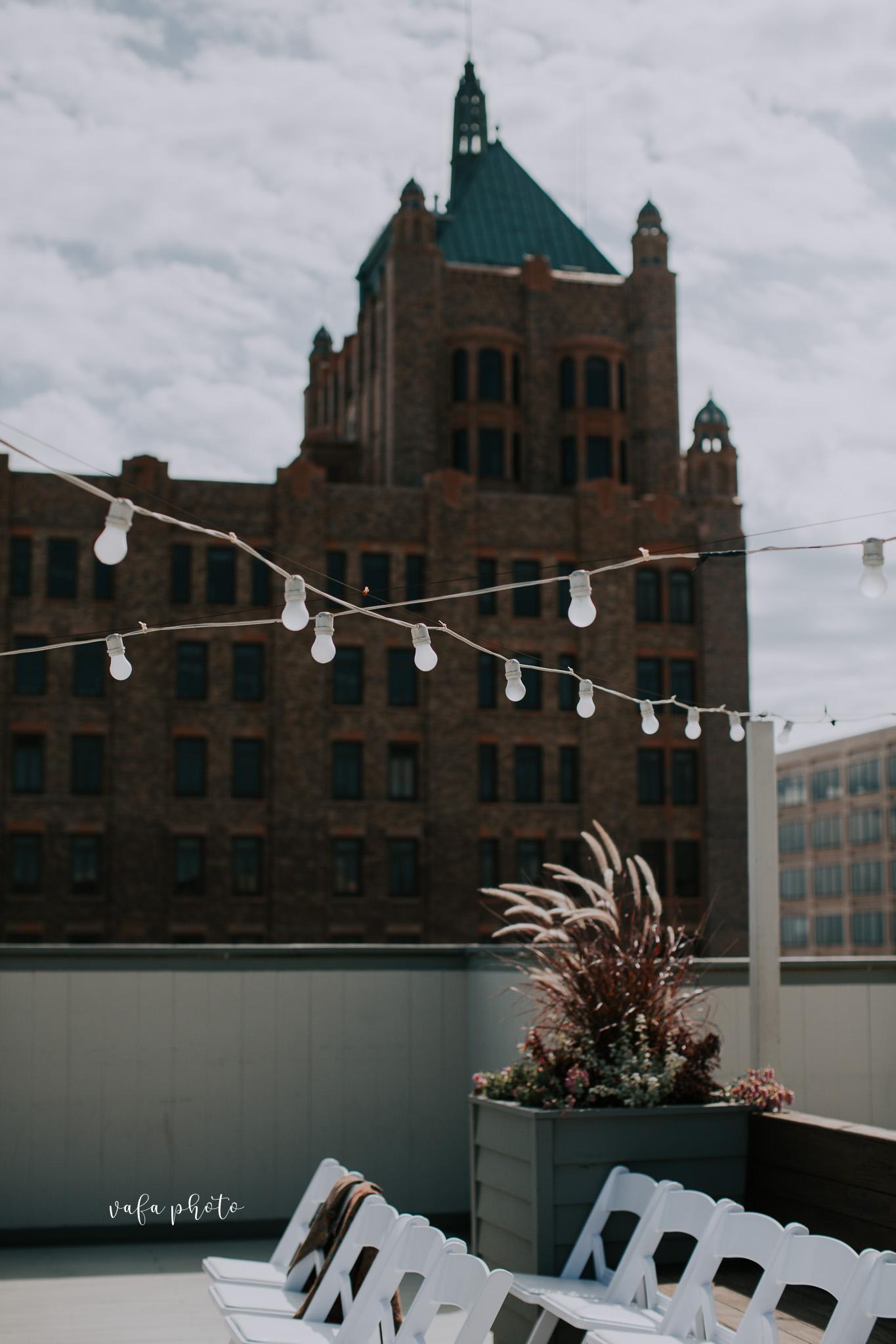Milwaukee-Athletic-Club-Wedding-Amanda-Tony-Vafa-Photo-235.jpg