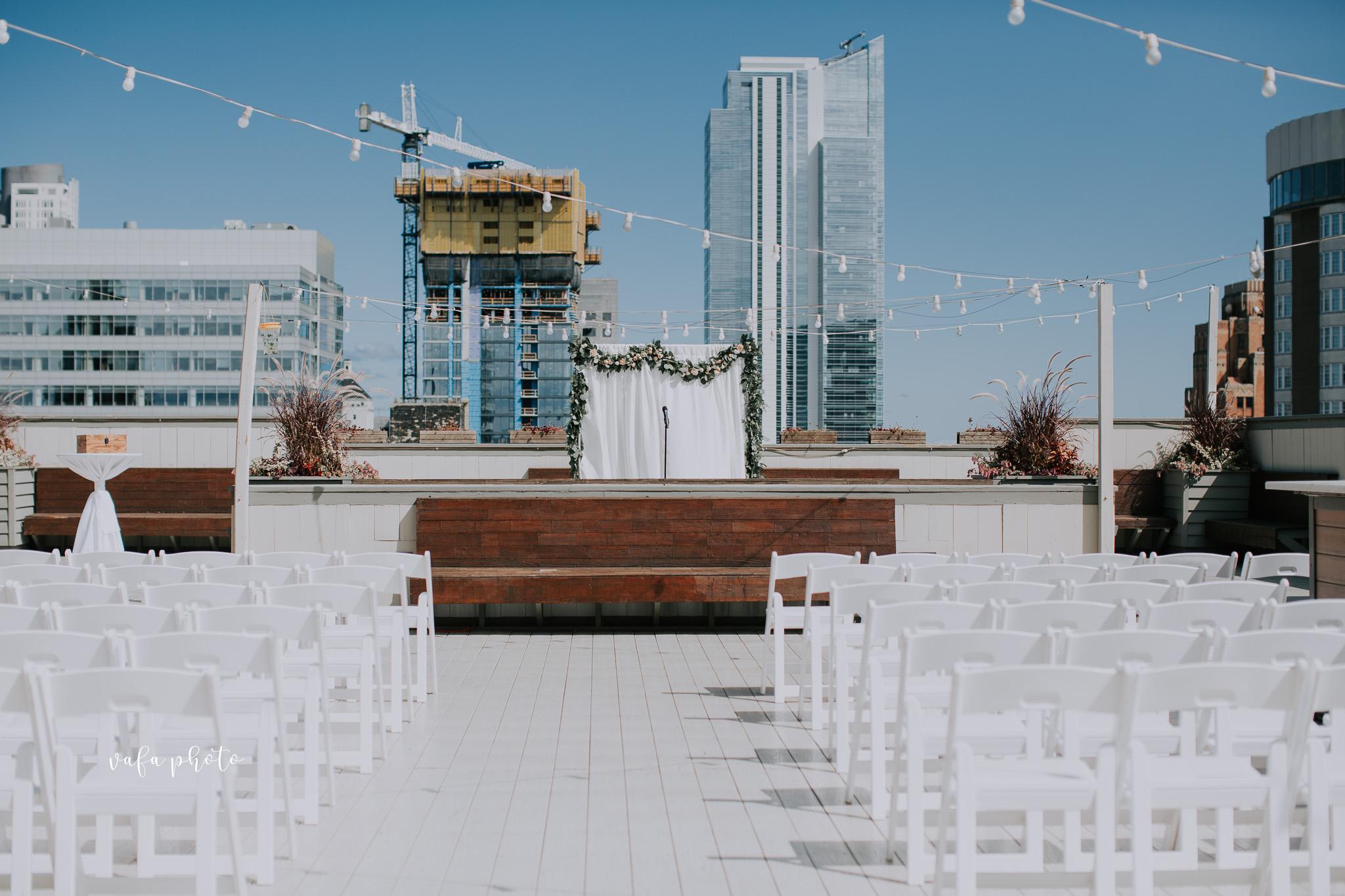 Milwaukee-Athletic-Club-Wedding-Amanda-Tony-Vafa-Photo-224.jpg